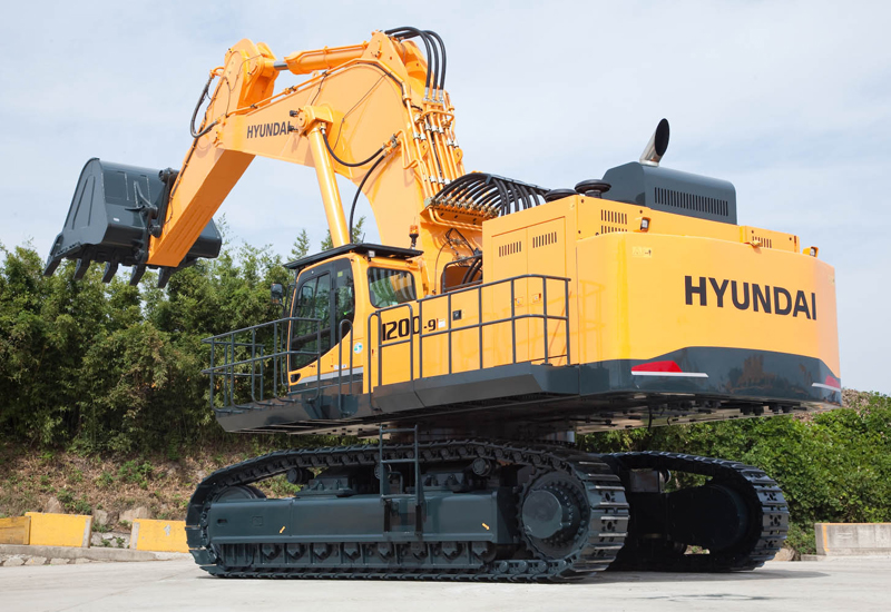 Hyundai Monster Excavator On Show At Bauma Products And Services Construction Week Online