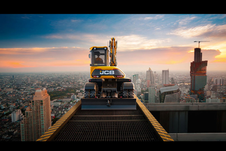 In pictures: JCB's futuristic 'Hydradig' in action
