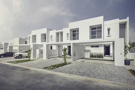 Dubai Properties begins handover of Mudon's Arabella townhouses