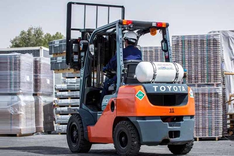 Emirates Transport unveils low-emission forklift truck