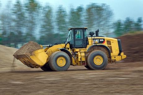 Cat 980L wheel loader cuts fuel consumption by 25%