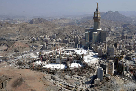 Saudi: Stirling Lloyd passes Zamzam water tests