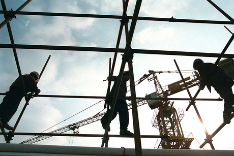 Expert says 'financial issues' delaying project starts