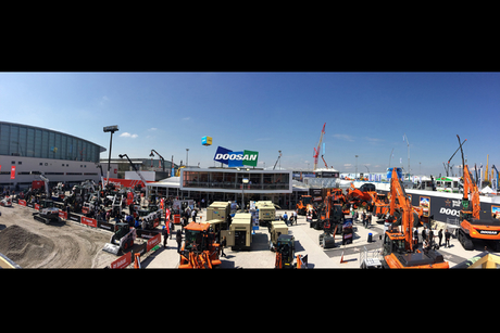 Doosan Bobcat sells 150 machines at Bauma 2016