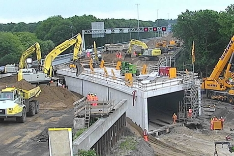 Video: Contractor builds tunnel in single weekend