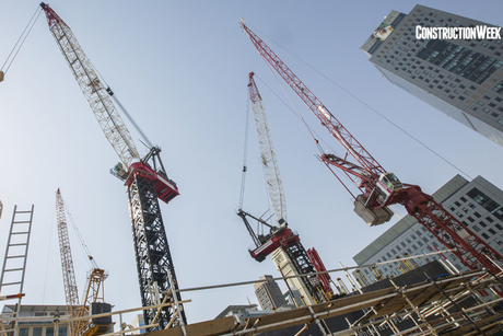 Video: World's largest luffing jib tower crane at work in Dubai