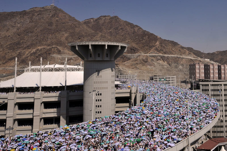 Saudi Haj projects on track despite spending cuts