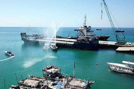 UAE's Khalifa Foundation completes expansion of Yemen's Hawlaf Port