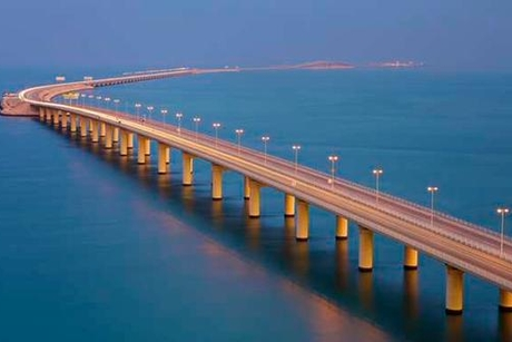 Saudi, Bahrain plan new road and railway causeway
