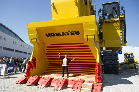 Komatsu approved for $2.9bn Joy Global acquisition