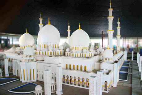 Lego model of Sheikh Zayed Grand Mosque unveiled