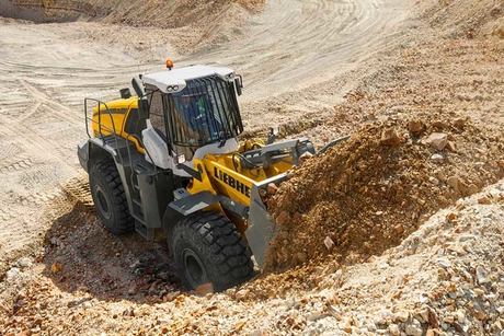 GENAVCO demonstrates Liebherr fuel efficiency to the UAE's AIMS Group
