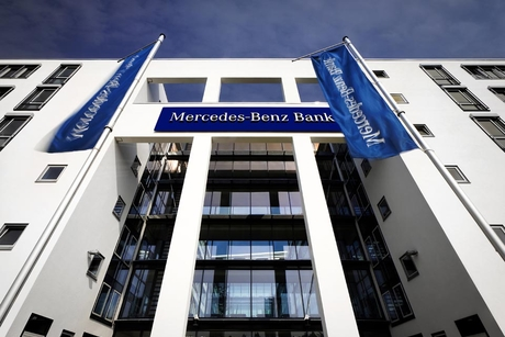 Mercedes-Benz Bank enters 2017 with record figures