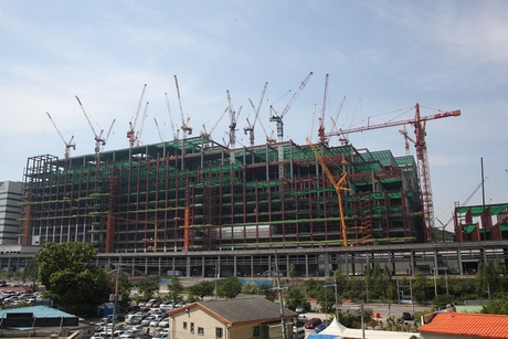 NFT to supply 30 tower cranes for Samsung project in Korea