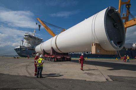 Mammoet delivers New York Wheel's 450-tonne legs