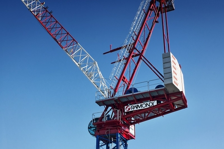 Raimondi launches new flagship luffing jib crane