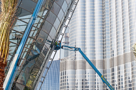 Why is the GCC's access equipment sector a renter's market?