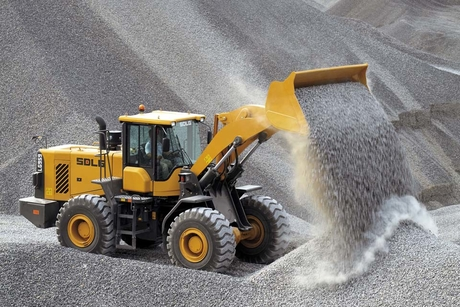 An SDLG LG959 wheel loader proves itself in sweltering heat