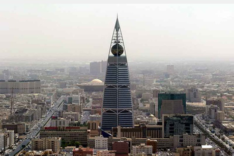 Saudi claims $100bn mosque expansion works on time
