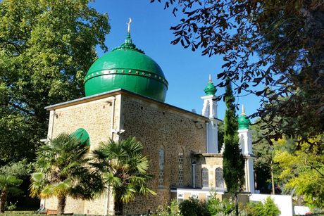 Dome repairs conducted at 127-year-old UK mosque