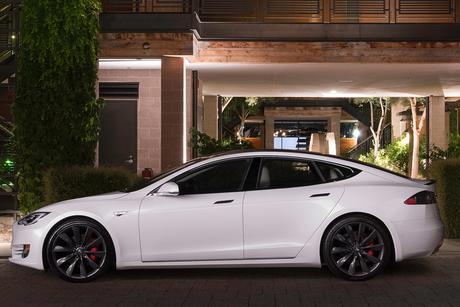 Musk meets Dubai Ruler ahead of Tesla's UAE launch