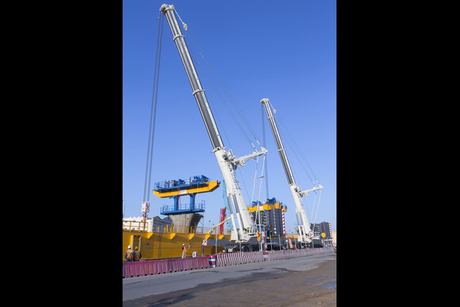 Terex units install gantry for Riyadh Metro bridge