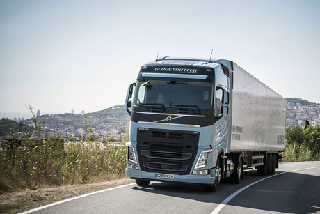 LNG-powered Volvo heavy truck slashes emissions by 20%