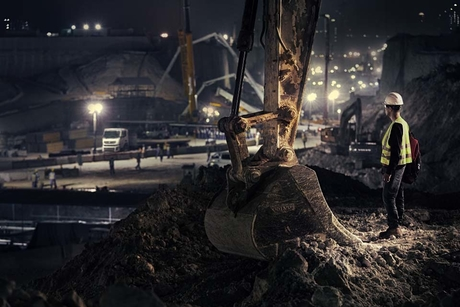 Video: Volvo CE machines on Doha's Lusail project