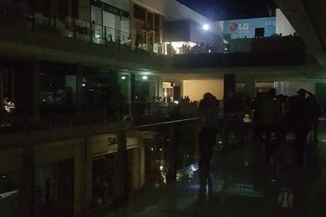 DEWA, Police chiefs manage Dubai Mall power outage