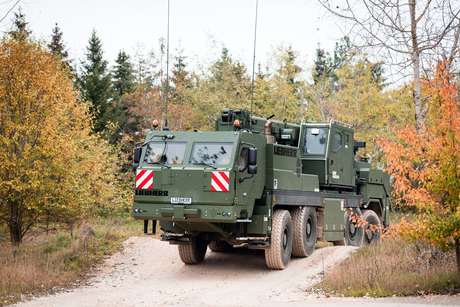 German Army purchases 71 armoured Liebherr mobile cranes