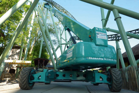 Genie booms help build 79m-high rollercoaster