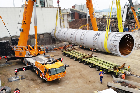 Grove duo lifts 84-tonne paper drum in New Zealand