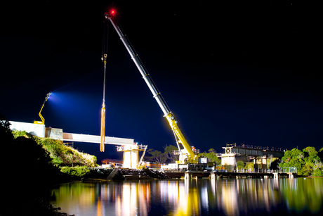 Grove cranes rebuild 92m bridge in three days