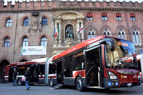 Iveco delivers first Euro VI hybrid bus in Italy