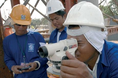 'Qatar WPS to help Filipino construction workers'