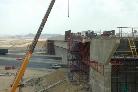 Saudi bridge collapses prior to demolition