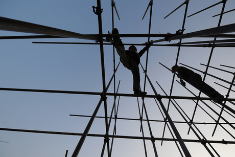 Abu Dhabi plans site visits to monitor scaffolding