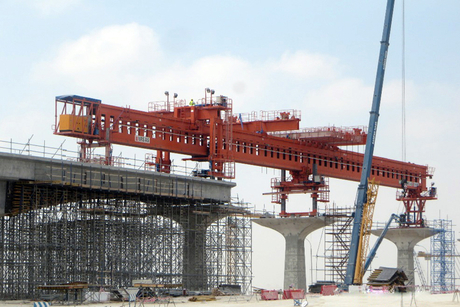 Qatar Rail's GRN-EAG unveils launching girder