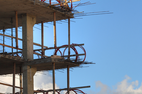 Construction defies Oman's GDP growth with 13% drop