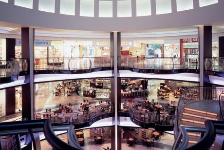 Dubai amends decoration license law for shopping centres