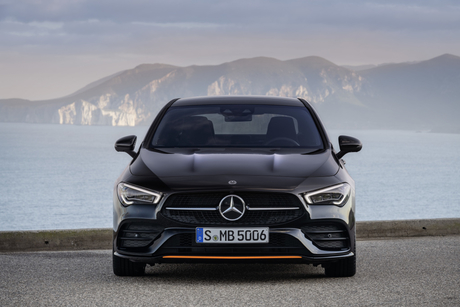 Mercedes-Benz to build car factory amid Egypt smart cities push