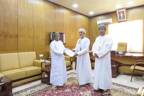 Oman's Ministry of Housing distributes 80 social housing units
