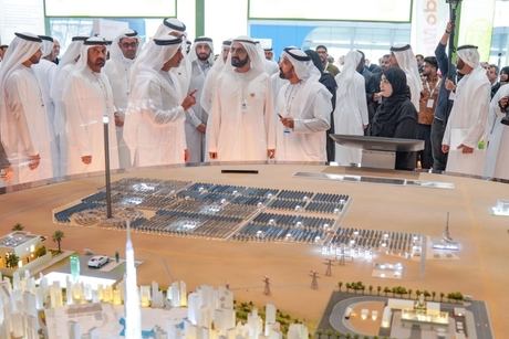 Sheikh Mohammed reviews projects at World Future Energy Summit