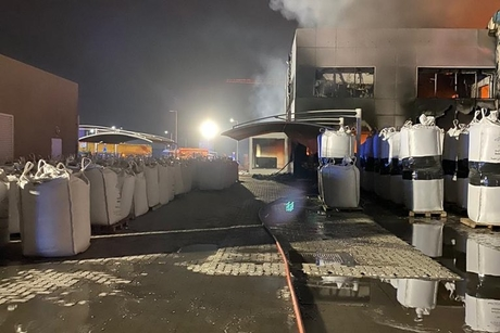 PICTURES: Fire breaks out at Dubai warehouse, contained by DCD