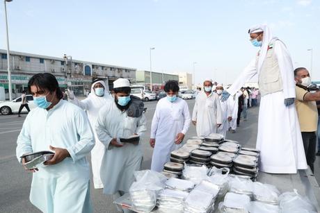 Khalifa Foundation provides 58,989 meals to Abu Dhabi, Al Ain, Al Dhafra workers