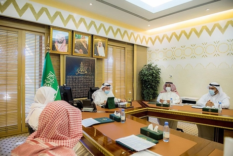 Prince Faisal reviews construction, stalled projects in Al Qassim