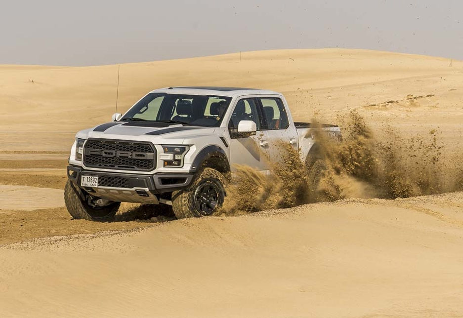 The 2017 Ford F-150 Raptor delivers a 21% improved average torque-to-weight ratio compared to the 2014 model.