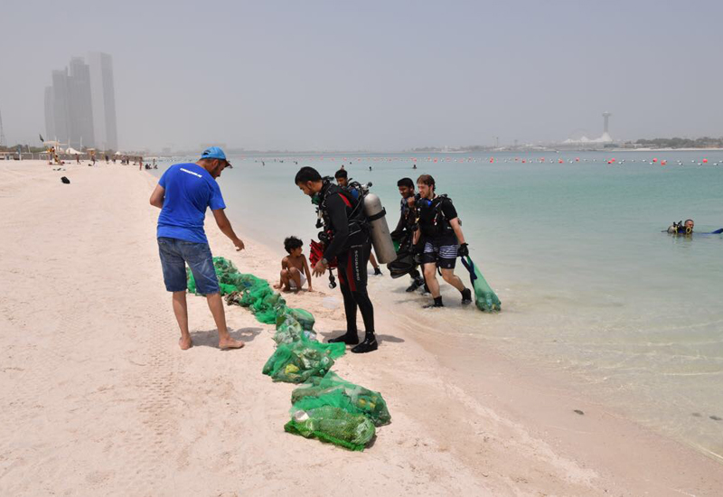 Abu Dhabi City Municipality (ADM) collected 2 tonnes of waste from the Abu Dhabi Beach Corniche.