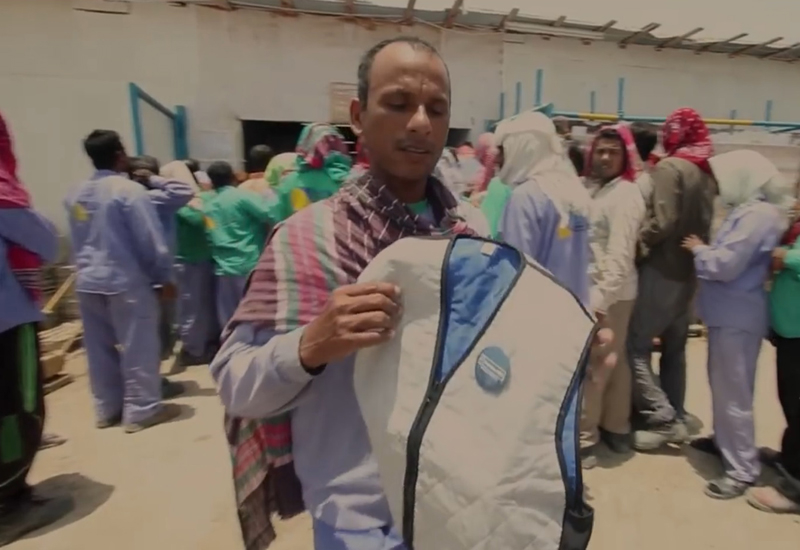 The A/C vests distributed by Emirates NBD during Ramadan reduce wearers' body temperatures by 5°C to 7°C for up to eight hours.