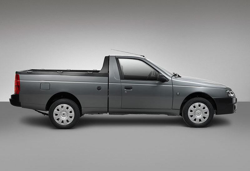 Side profile of the Arisan, or PU1, pickup.